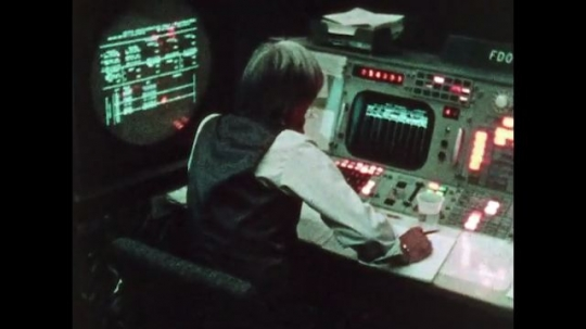 UNITED STATES: 1981: Mission control team hard at work as astronauts return to Earth.