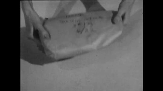 UNITED STATES: 1950s: sirloin steak in wrapper. Labelled steak.