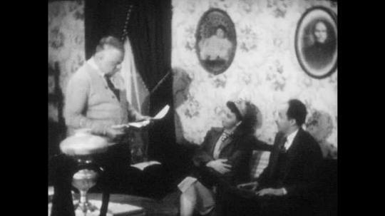 1940s: City officials wait in Farmer